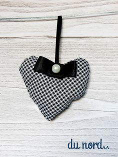 set of 2 plaid hearts black white home decoration by dunord