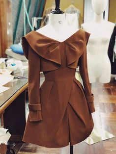 Teen Fashion Outfits, Chic Outfits, Fashion Dresses, Formal Tops For Women, African Print Fashion, Lovely Dresses, Couture Fashion, Blouses For Women, Designer Dresses