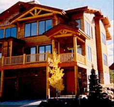 4 bedrooms / 4 bathrooms  Sleeps 8-10    Rent from the owners and save!    The Mountaineer at Steamboat with its rustic western ambiance will create family memories for years to come. Located at the b...