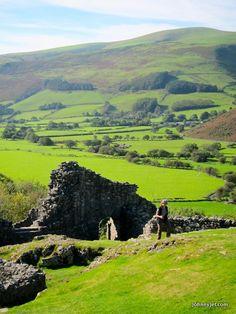 Castell y Bere, Wales http://vintage.johnnyjet.com/photos-2011/Lindsay-Taub-Wales-Part-2-September-2011-4.jpg