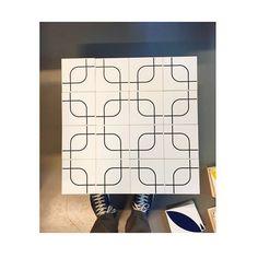 Lançamento Lurca + Mauricio Arruda semana que vem na MADE ;-] @mauricioarruda @mercadoartedesign @designweekendsp #madesp #made2015 #dw #designweekend #azulejos #azulejosdecorados #revestimento #arquitetura #reforma #decoração #interiores #decor #casa #sala #design #cerâmica #tiles #ceramictiles #architecture #interiors #homestyle #livingroom #wall #homedecor #lurca #lurcaazulejos