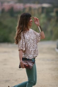 possible tenidas for easter | mytenida en stylelovely.com Party Fashion, Boho Fashion, Casual Chic, Sequin Outfit, Moda Boho, Rocker Chic, Street Look, Hippie Chic, Dress To Impress