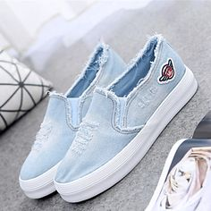 Women Shoes New 2017 Platform Jeans Canvas Shoes Solid Color Flat Casual Shoes Fashion Women Mocassins Students Slip on Shoes Cute Shoes, On Shoes, Me Too Shoes, Shoe Boots, Shoes Sandals, Sneakers Mode, Sneakers Fashion, Shoes Sneakers, Vans Shoes Women