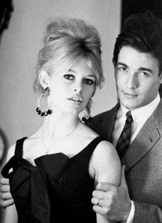 Brigitte Bardot et Jacques Charrier Bridget Bardot, Bardot Brigitte, Jacques Charrier, Art Beauté, Clemence Poesy, Marlene Dietrich, Glamour, French Actress, Vintage Hairstyles