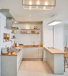surprising small kitchen design ideas and decor 31 ~ Modern House Design Kitchen Room Design, Modern Kitchen Design, Home Decor Kitchen, Kitchen Furniture, Kitchen Interior, Kitchen Rules, Decorating Kitchen, Kitchen Nook, Cuisines Design