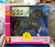 """2000 Barbie Horse Sparkle Beauties """"Emerald"""" - Brown and White Horse with Green Saddle and Bridle, Sparkling Barrettes, etc. - by Mattel RARE Barbie Dog, Barbie Horse, Barbie 2000, Barbie And Ken, Vintage Barbie, Brown And White Horse, Cool Toys, Awesome Toys, Barbie Playsets"""
