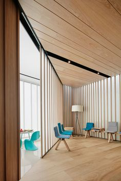 Emardental Clinic by OHLAB | Yellowtrace