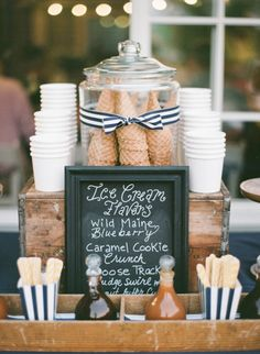 DIY Ice Cream sundae bar: www. Beaux Desserts, Bbq Desserts, Wedding Desserts, Wedding Foods, Ice Cream Cart, Diy Ice Cream, Ice Cream Station, Ice Cream Buffet, Ice Cream Menu