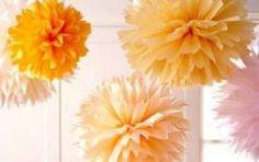 Fai da te Festa della Donna: i fiori di carta [FOTO] - Con la carta velina si possono realizzare delle bellissime decorazioni floreali per la Festa della Donna. E' semplicissimo, serve solo della carta crespa gialla, forbici e borchie fermacampioni.