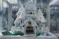 10 Awesome Gingerbread Houses | Rounds.com Blog