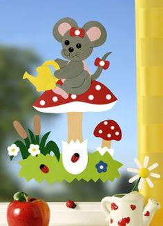 .. Birthday Chart Classroom, Crafts To Make, Easy Crafts, Chicken Crafts, Autumn Activities For Kids, Diy Ostern, Leaf Template, Handprint Art, Bee Art