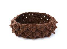 Pinecone basket - crocodile stitch - Debra Arch - free crochet pattern