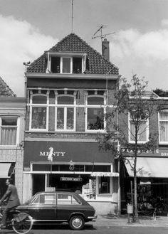 Snackbar Menty aan de Diezerkade in de wijk Diezerpoort.