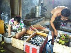Pengusaha Pindang di Jembrana Keluhkan Kelangkaan Garam - http://denpostnews.com/2017/07/28/pengusaha-pindang-di-jembrana-keluhkan-kelangkaan-garam/
