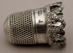 1905 pretty antique silver thimble