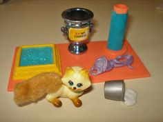VINTAGE LITTLEST PET SHOP SIAMESE KITTY CAT PLAY SET  this was one of my favorites