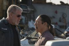Still of Ron Perlman and Danny Trejo in Sons of Anarchy (2008)