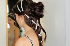 Renaissance hairstyle inspired by Botticelli. Click for video tutorial!