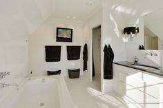 1 sal Master bedroom badeværelse