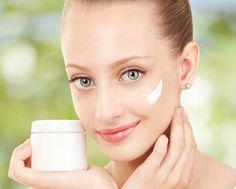 Descubra receitas muito eficazes para cuidar da pele e prevenir as linhas de expressão e rugas com ingredientes naturais saídos diretamente da sua cozinha!