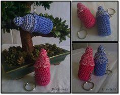 Llavero Biberón a crochet ideal para detalles de bautizos