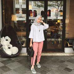42 Ideas fashion hijab casual dresses muslim for 2019 Hijab Casual, Hijab Chic, Casual Dresses, Fashion Pants, Fashion Outfits, Dress Fashion, Baggy Pants, Hijab Stile, Hijab Fashion Inspiration