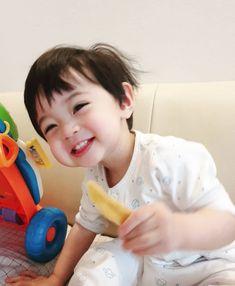 What if. JeongCheol SeokSoo JunHao SoonHoon Meanie and Verkwan Berumah tangga dan punya anak? Dad Baby, Cute Baby Boy, Cute Little Baby, Little Babies, Cute Kids, Baby Kids, Cute Asian Babies, Korean Babies, Asian Kids