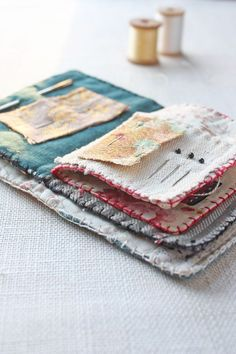 the world's sweetest needle book : a free sewing pattern - ann wood handmade Sewing Hacks, Sewing Tutorials, Sewing Crafts, Sewing Tips, Needle Case, Needle Book, Sewing Patterns Free, Free Sewing, Pattern Sewing