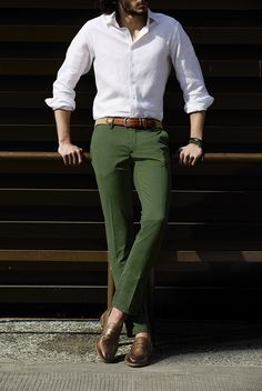 Chill and Casual Style for Men Mens Casual Dress Outfits, Formal Men Outfit, Stylish Mens Outfits, Semi Formal Outfits, Casual Attire, Mens Fashion Blazer, Fashion Pants, Mens Fashion Wear, Men's Fashion