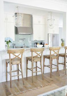 Home Beach, Beach House Decor, Beach Homes, Beach Condo, Beach House Furniture, Urban Furniture, Inspire Me Home Decor, Beach House Kitchens, Home Kitchens