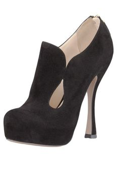 Early Fall Shoes 2012 - Summer Into Fall Shoes - ELLE