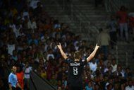 La Real Sociedad de San Sebastián obtuvo un muy buen triunfo por 2-0 ante el Lyon en el estadio Gerland, este martes en los primeros partidos de ida de la ronda previa a la fase de grupos de la 'Champions League' del fútbol europeo. (AFP   Jeff Pachoud)