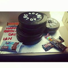 Weightlifting cake!