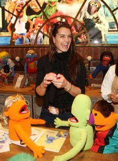The actress visited the Muppet Whatnot Workshop.   - TownandCountryMag.com
