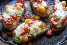 Pesto, cheese, tomatoes, crisp golden-brown toast: what more could you want? This delicious meal comes together in under 15 minutes, and it makes a great quick dinner with a side salad. Your family will be asking for Pesto Pizza toast on repeat! Giada Recipes, Vegetarian Recipes, Cooking Recipes, Sandwich Recipes, Vegetable Recipes, Healthy Recipes, Pesto Pizza, Pizza Pizza, Giada De Laurentiis