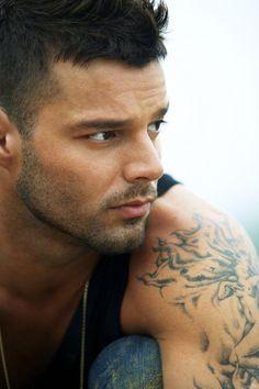 Ricky Martin..gorgeous!!!! Ricky Martin, Hot Men, Sexy Men, Sexy Guys, Divas, Puerto Rico, Latin Men, Single Dads, Actors