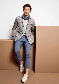 look passeio - a calça sarja azul tom suave trouxe informação de moda para o look todo