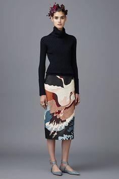 Valentino Pre-Fall 2016 Fashion Show - Pepino Fashionista Fall Fashion 2016, Look Fashion, Runway Fashion, High Fashion, Fashion Show, Autumn Fashion, Fashion Design, Fashion Trends, Vogue Fashion