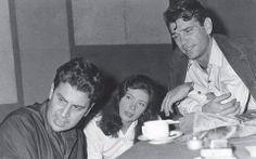 Kourkoulos alongside renowned composer Mikis Theodorakis and actress Jenny Karezi