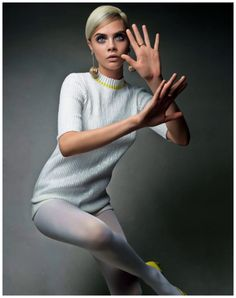 Cara Delevingne - Photo Patrick Demarchelier - for vogue china june 2013 as Twiggy