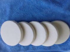 МНОГОФУНКЦИОНАЛЬНОЕ МЫЛО!!! Может использоваться как для стирки белья так и для мытья посуды,для чистки изделий из серебра,для мытья пола,плитки,раковины,ванны.Для изделий из белой ткани как отбеливающее средство.Вес каждого кусочка 65 гр-100 руб.Мыло под заказ.