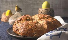 Osterbrot Rezept: Köstliches Brot mit Mandeln und Rosinen für das Frühstück an den Ostertagen - Eins von 7.000 leckeren, gelingsicheren Rezepten von Dr. Oetker!