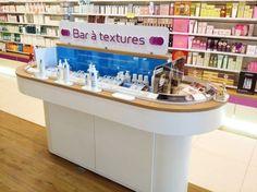 Pharmacie Rives de l'Orne Shops, Room Colors, Retail Design, Pharmacy, Liquor Cabinet, Architecture Design, Innovation, Rives, Actuel