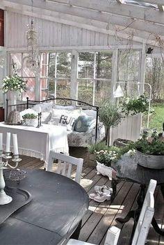 Patio Shabby Chic, Shabby Chic Terrasse, Jardin Style Shabby Chic, Cottage Shabby Chic, Shabby Chic Interiors, Shabby Chic Homes, Shabby Chic Furniture, Shabby Chic Decor, Garden Furniture