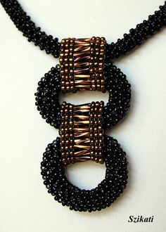 peyote rings connected with beaded bands - Szikati page