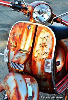 bartlmiller: VESPA CLASSIC by Ibrahim Anouti via Flickr