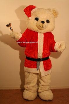 3 Looppoppen in een Kerst outfit. Witte en Bruine Beer en Rudolf 'The Rednose' Rendier. Een sfeervolle aanvulling op uw Winter- of Kerstmarkt, als uitdeler op uw Kerstborrel of flyeren in een winkelcentrum. http://www.looppoppen.nl/Kerst.html