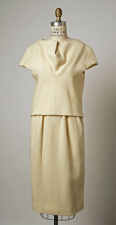 Dress, Dinner.  House of Balenciaga  (French, founded 1937).  Designer: Cristobal Balenciaga (Spanish, 1895–1972). Date: 1961. Culture: French. Medium: wool.