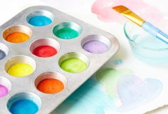 Help your little artist make a splash with their very own watercolor paints.