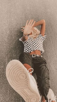 trendy summer outfits ideas for teen girls to try 7 ~ thereds.me Source by summer outfits Trendy Summer Outfits, Cute Casual Outfits, Retro Outfits, Simple Outfits, Teen Fashion Outfits, Mode Outfits, Insta Outfits, Tumblr Outfits, Fasion